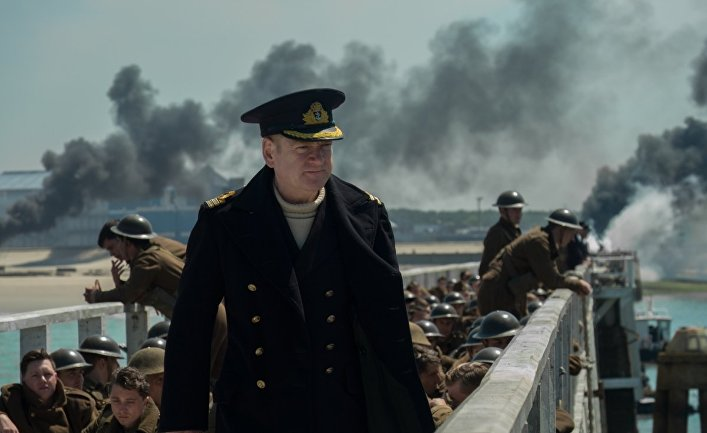 Kenneth Branagh in un scena del film Dunkirk (2017)